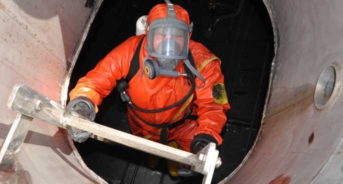 Quy định an toàn khi làm việc trong không gian kín